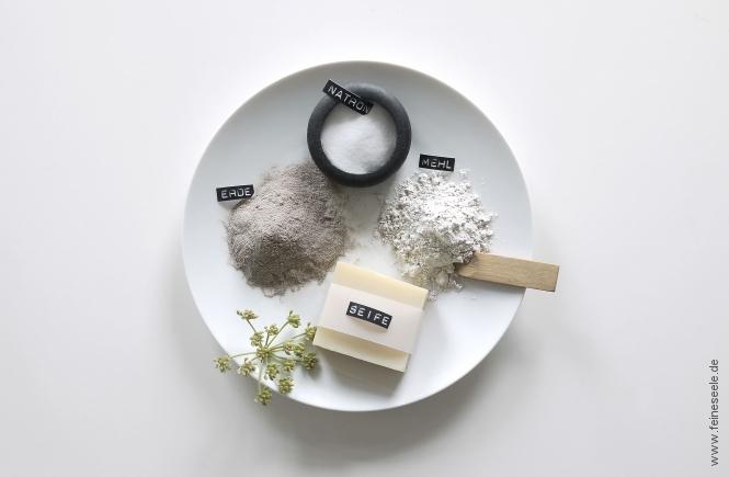 Haare waschen ohne Shampoo alternative Mittel auf einem Teller